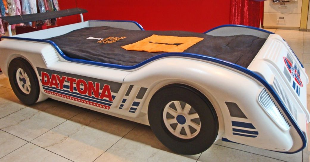 Children 39 s cama auto daytona 190x90 de colchon no - Cama en forma de auto ...